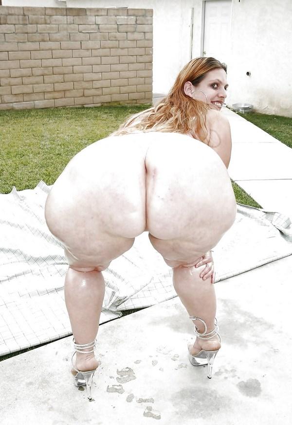 Plan cul avec une femme obèse au cul énorme